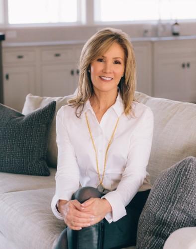 Linda MacDonald agent image