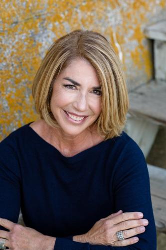 Julie Sheehan agent image