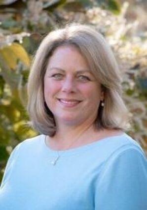 Julie Grady agent image