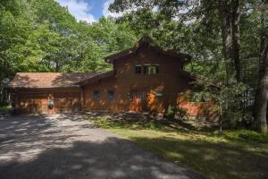 57 Oak Shore Drive, Harrison, ME 04040