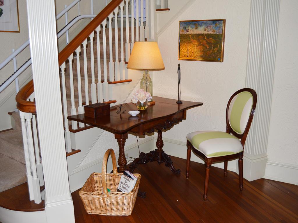 Livingroom with side desk area