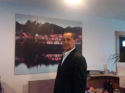 Dennis Brides agent image