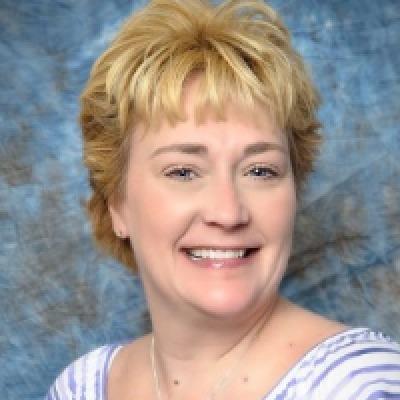 Linda Davis agent image