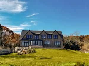 20 Running Tide Road, Cape Elizabeth, ME 04107