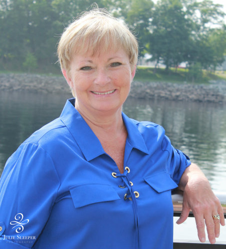 Gayle Conley agent image