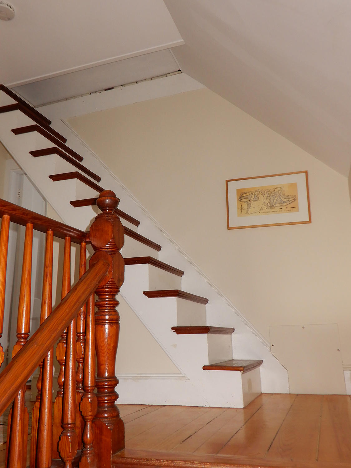 43 Summit Stairs to Attic