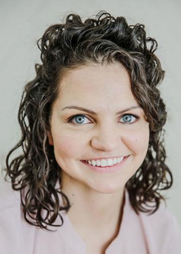 Hannah Adolphsen agent image