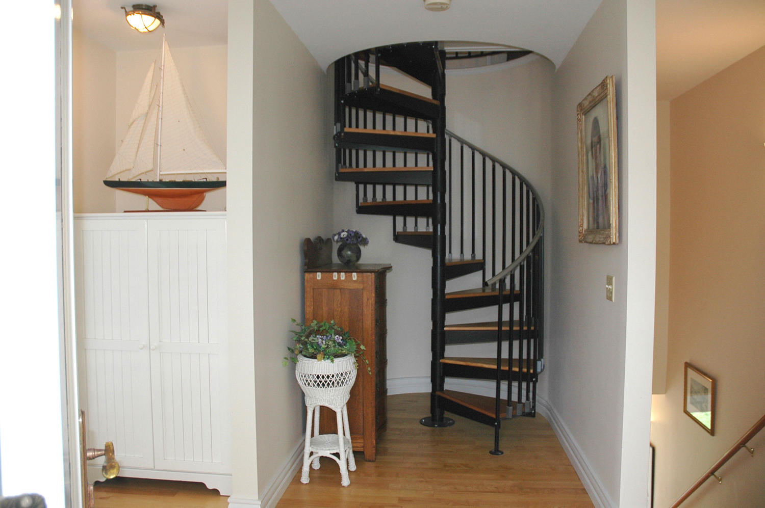 Circular stair to  third floor