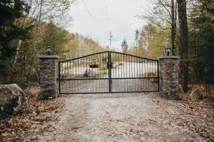 34 Jardine Lane, Sweden, ME 04040