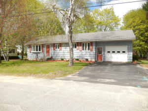 6 Laase Avenue, Lewiston, ME 04240