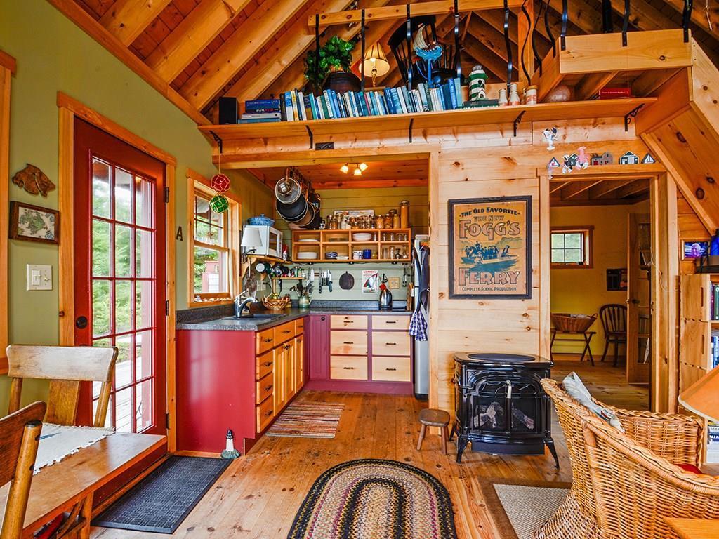 Warm, wonderful cottage.