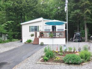 1015 Club Sebago Way, Casco, ME 04015