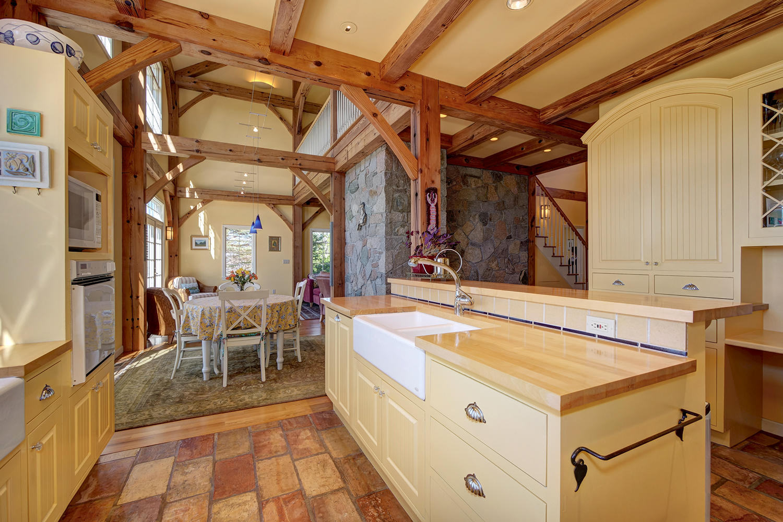 kitchendiningroom