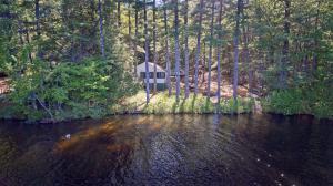 10 Lakeside Pines Road, Bridgton, ME 04009