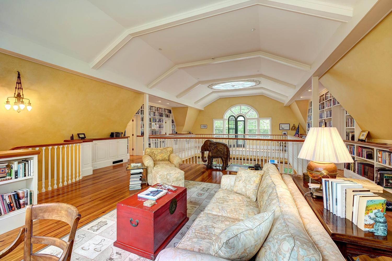 34-19.2nd Floor Foyer-wide