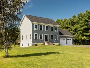6 Barnyard Drive, North Yarmouth, ME 04097