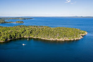 Located on the eastern shore of Islesboro, Northeast Point is a spectacular 74+/- acre oceanfront property with over 6,800+/- feet of frontage on Penobscot Bay