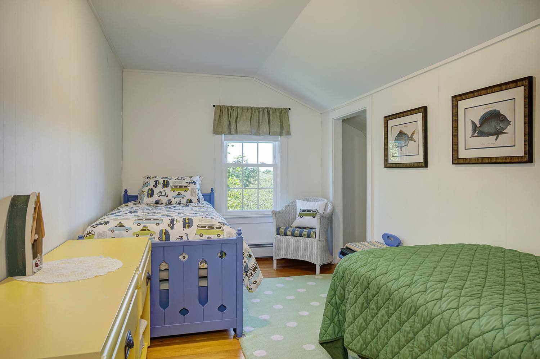 Bernardbedroom3