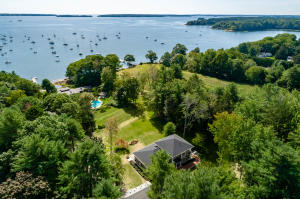 173 Foreside Road, Falmouth, ME 04105