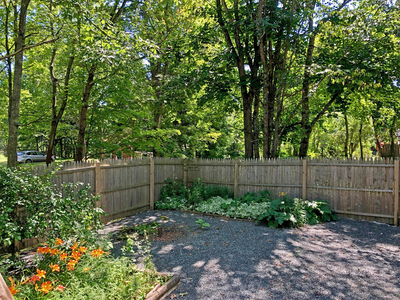 18- Ext Gardens.2172