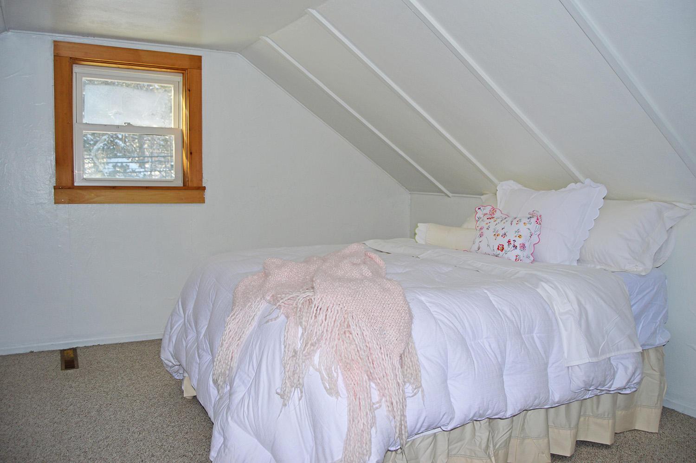 13-Bonus Bedroom3