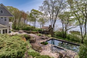 1172 Shore Road, Cape Elizabeth, ME 04107