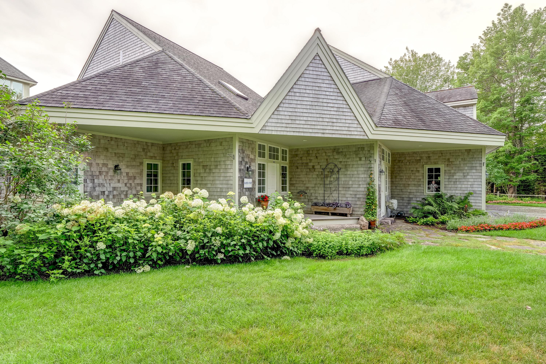 Lovely gardens & house angles.