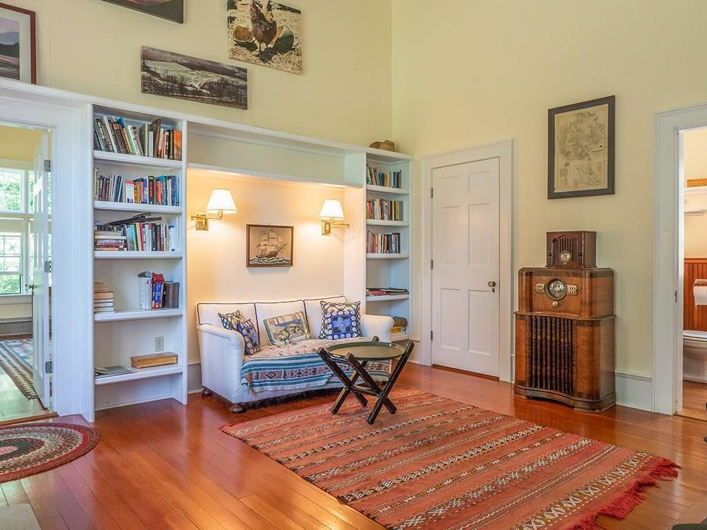Office Library, with steam room-full...