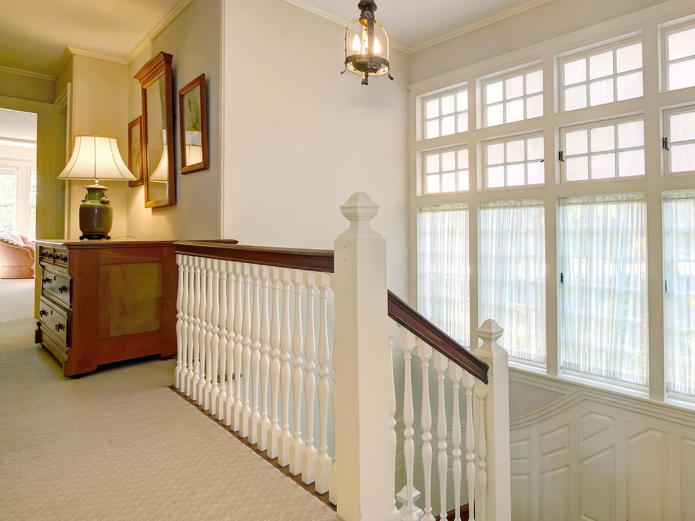 25-19-84-2nd Floor Hallway  (84)