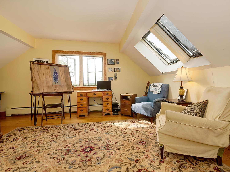 Third Floor Bedroom/Loft