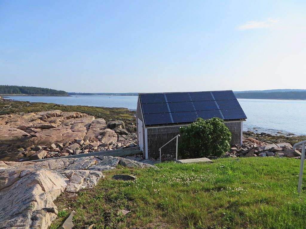 Boathouse with Solar power...