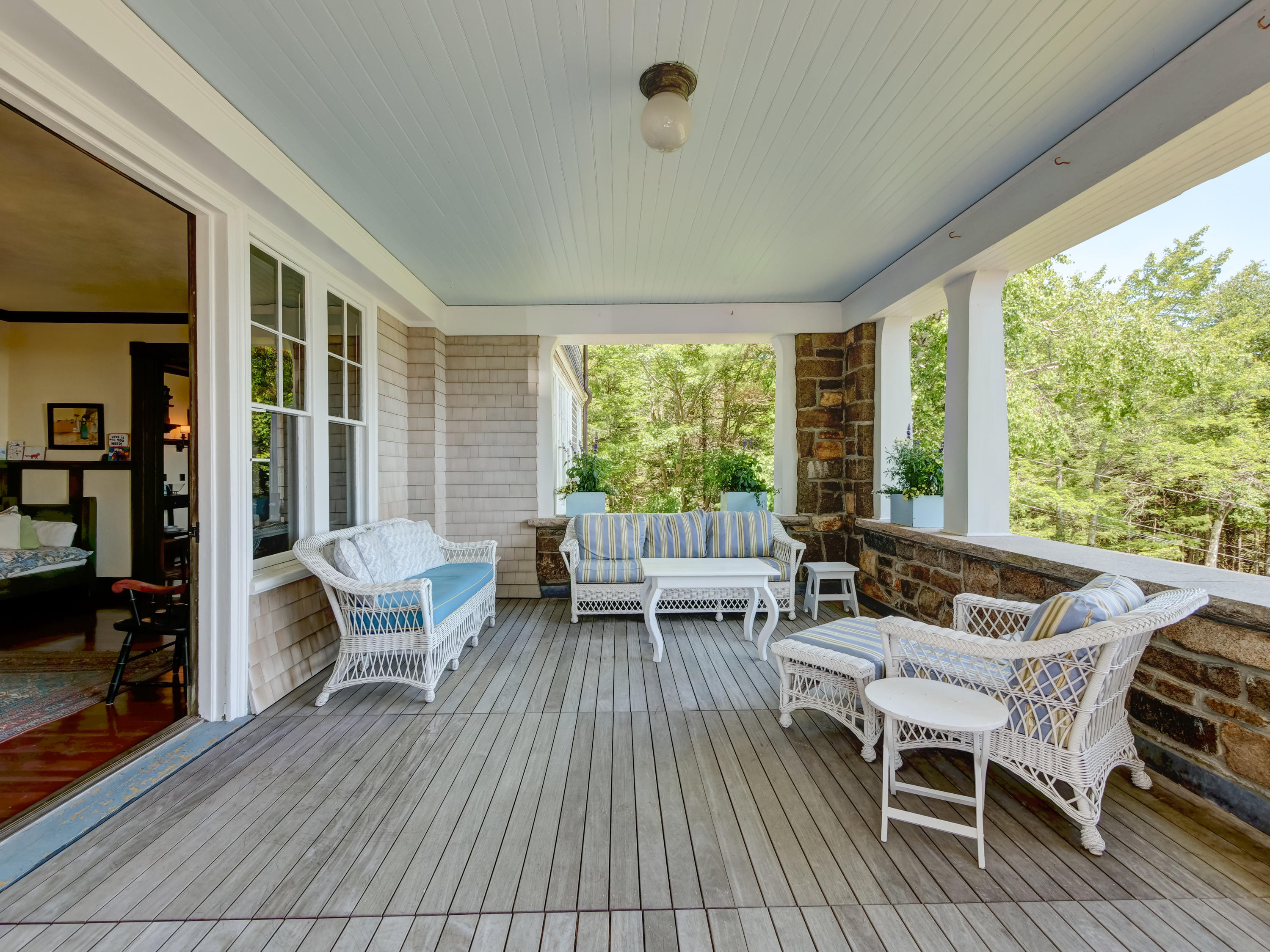 Covered Porch 4