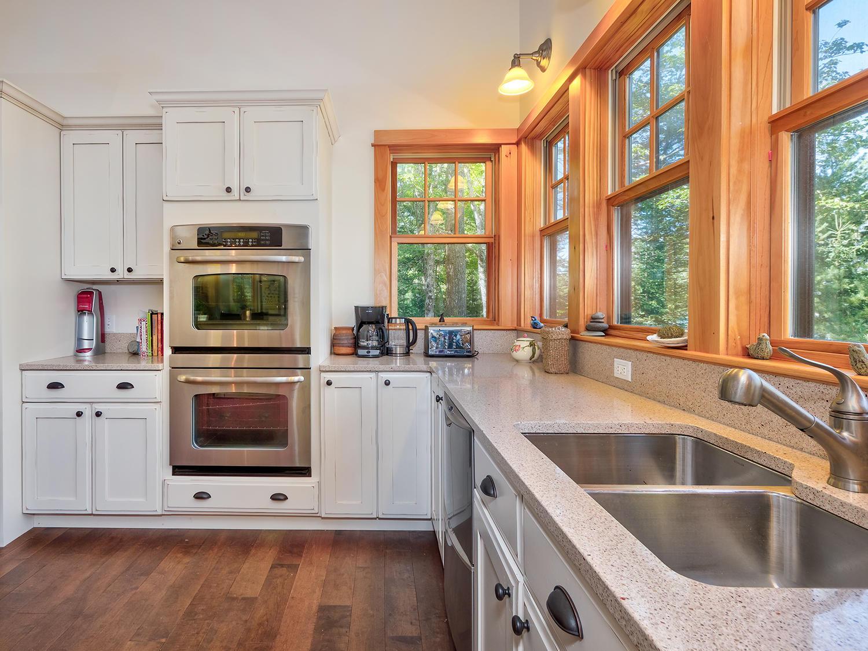 3-Kitchen 41 Northwest Cove HiRes (34)