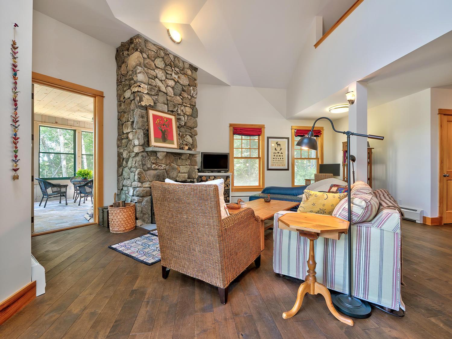 9-Liv Room 41 Northwest Cove HiRes (36)