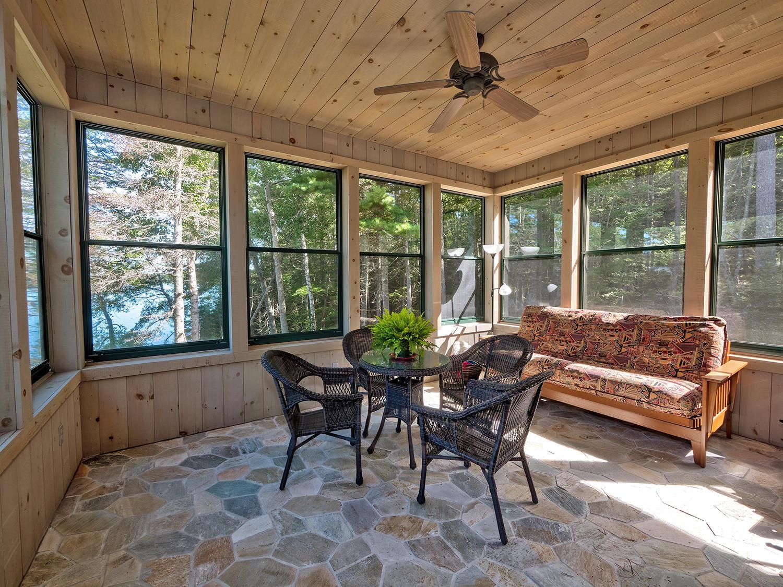11-Sun Porch 41 Northwest Cove HiRes (40