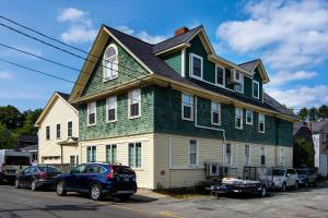 123 -125 Cottage Street
