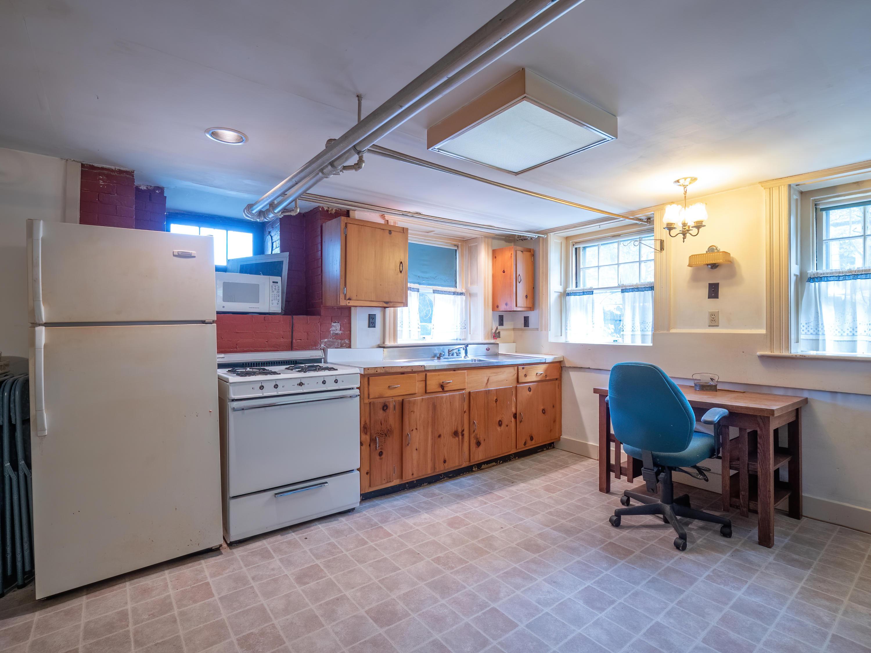 Apt- Kitchen