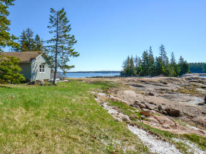 119 Island Retreat Road
