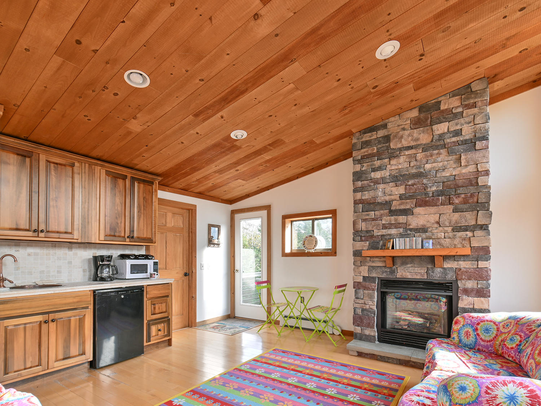 Guest Cottage5