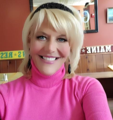 Lisa Zlomke agent image