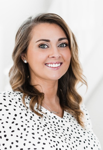 Shaina Ellis agent image