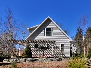 89 Indian Point Road