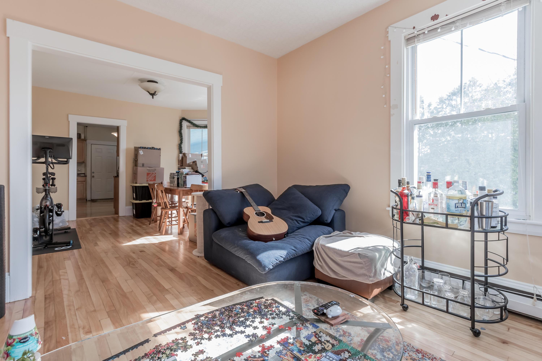 second floor livingroom