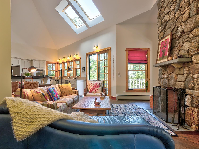 10-Liv Rom with fireplace 41 Northwest C