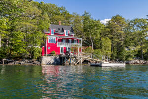 61 Paradise Point Road, Boothbay, ME 04544