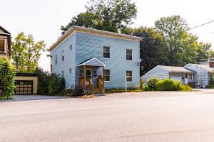 58 Riverside Drive, Auburn, ME 04210