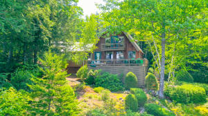 14 Pitts Road, Harrison, ME 04040