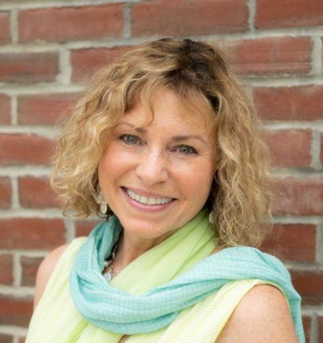 Julie Tilden agent image