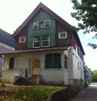 1231 32nd St, Milwaukee, Wisconsin 53208, 4 Bedrooms Bedrooms, 10 Rooms Rooms,2 BathroomsBathrooms,Single-Family,For Sale,32nd St,1425288