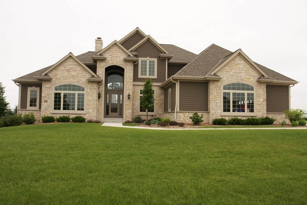 724 Cheviot DR, Pewaukee, Wisconsin 53072, 4 Bedrooms Bedrooms, 12 Rooms Rooms,3 BathroomsBathrooms,Single-Family,For Sale,Cheviot DR,1532666